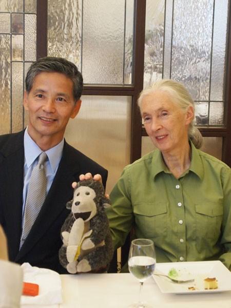 松沢先生とジェーングドール氏